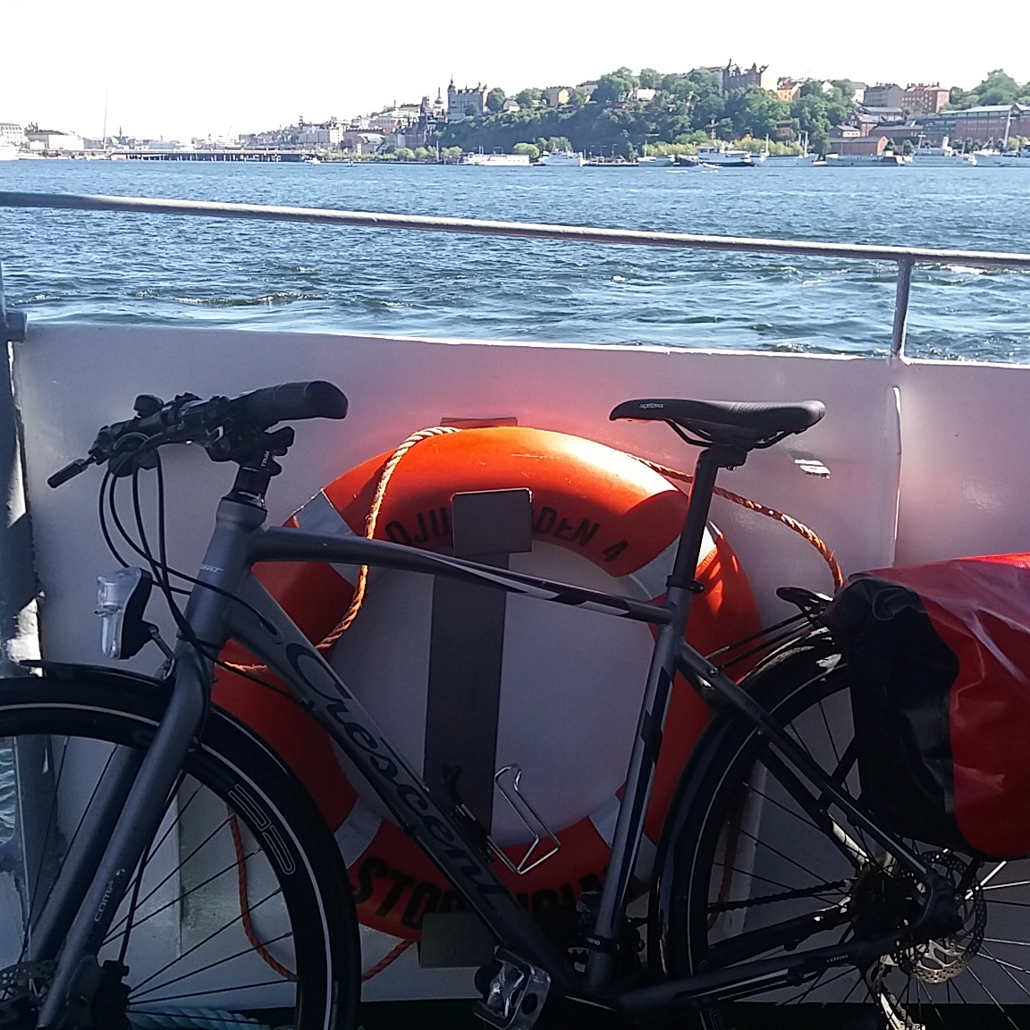 Self guided bike tour Stockholm Ferry Sverige